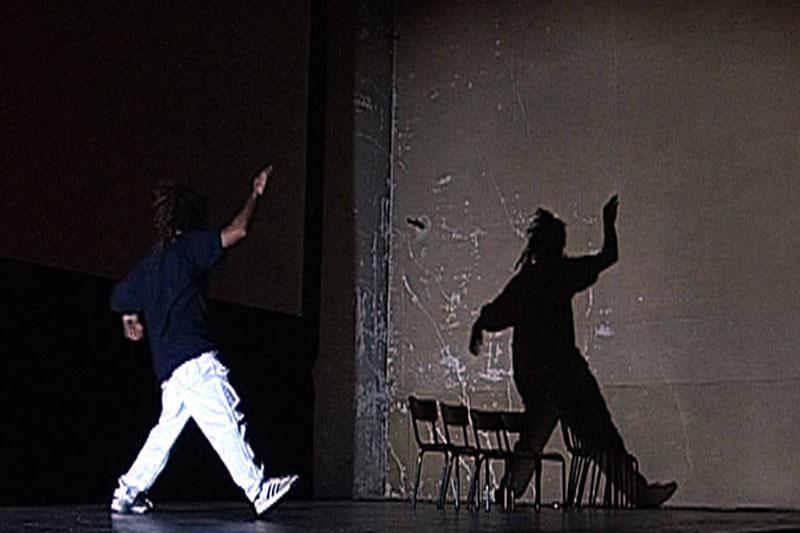Gérard Gallego et Instant Présent : spectacle avec des détenus et des comédiens